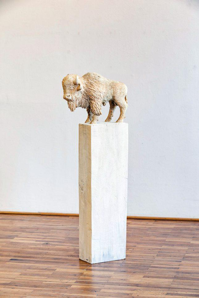 Jan Thomas, Bison, 2017, Pappelholz, Lasur, 131 cm